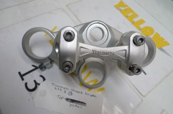 TRIUMPH STREET TRIPLE R 675   TOP YOKE 2041212   (CON-B)